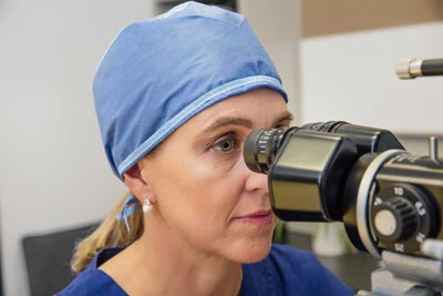 Dr Smallcombe Difference between Optometrist & Ophthalmologist